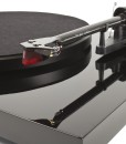 PJ-Phono-DebutCarbon-tonearm_edcc8531-79d7-4fee-a83c-be106fb9550a