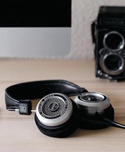 square-cat-headphones
